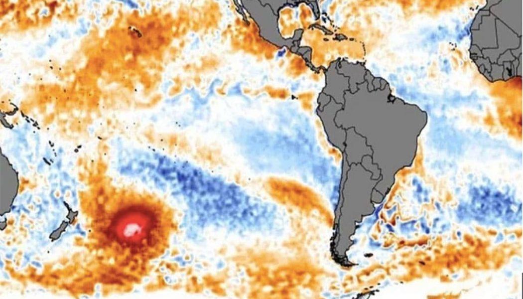 Detectan una mancha caliente en el Océano Pacífico
