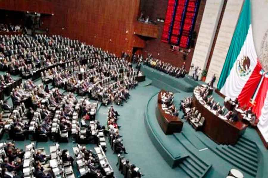 Diputados aprueban reformas que les permitirán reelegirse 12 años