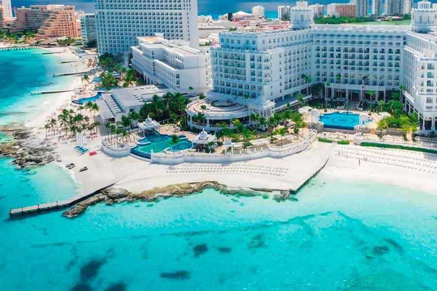 Apoya EU a su industria turística; en México va sola