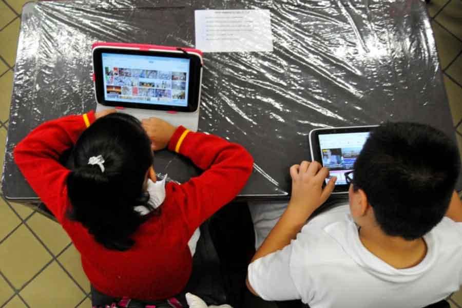 Trabajo y poca escolaridad de los padres, factores que dificultan la educación en casa
