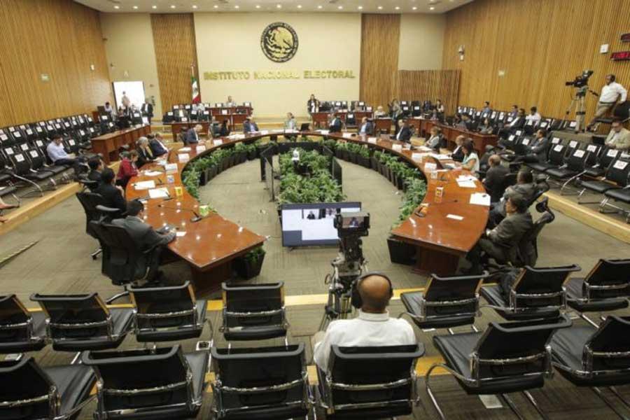 Gobierno pretende quitar organización de elecciones al INE