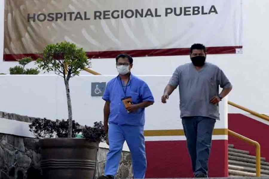 Posible crisis por médicos amparados