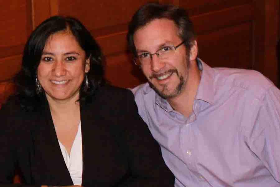 Las propiedades millonarias de Irma Eréndida Sandoval y John Ackerman