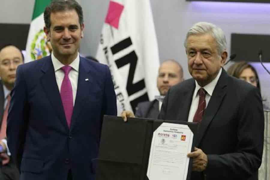 Presidente va contra el INE y otros organismos autónomos