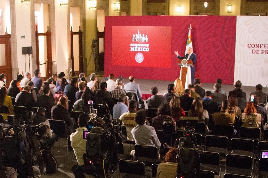 Televisa, Tv Azteca y La Jornada, recibieron el 30% de la publicidad oficial en 2019