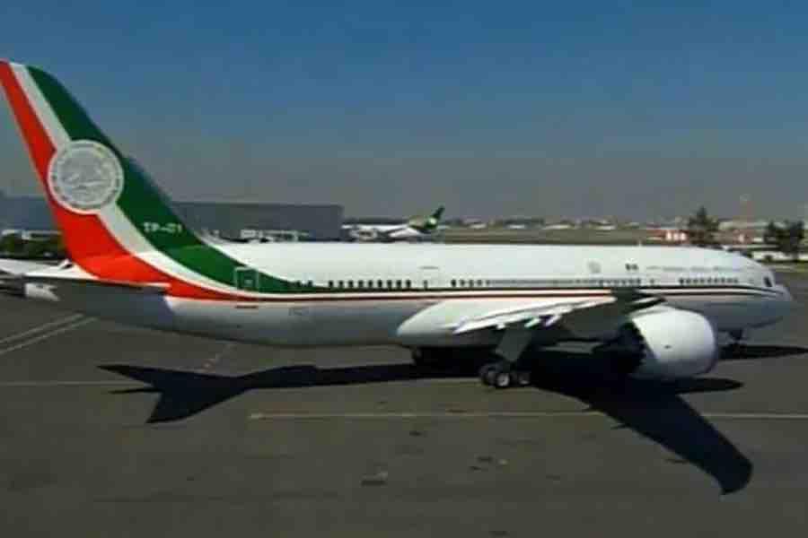 Sin concretar su venta, regresa el avión presidencial a México
