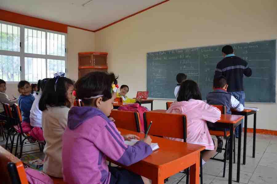 Padres de familia, ausentes… del regreso a clases