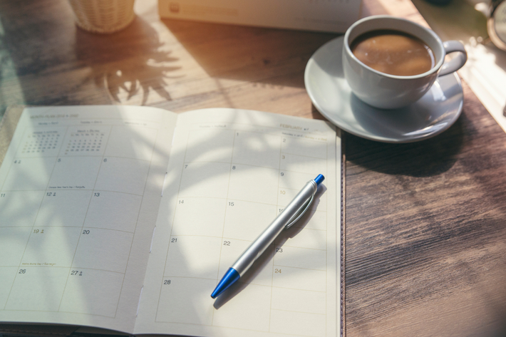 ¿Qué es mejor, ahorrar por mes o a diario?