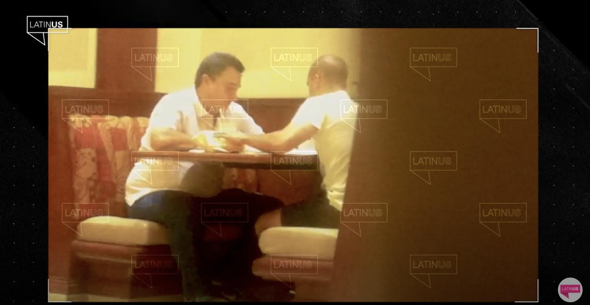#Video: Hermano de Andrés Manuel es captado recibiendo paquetes de dinero