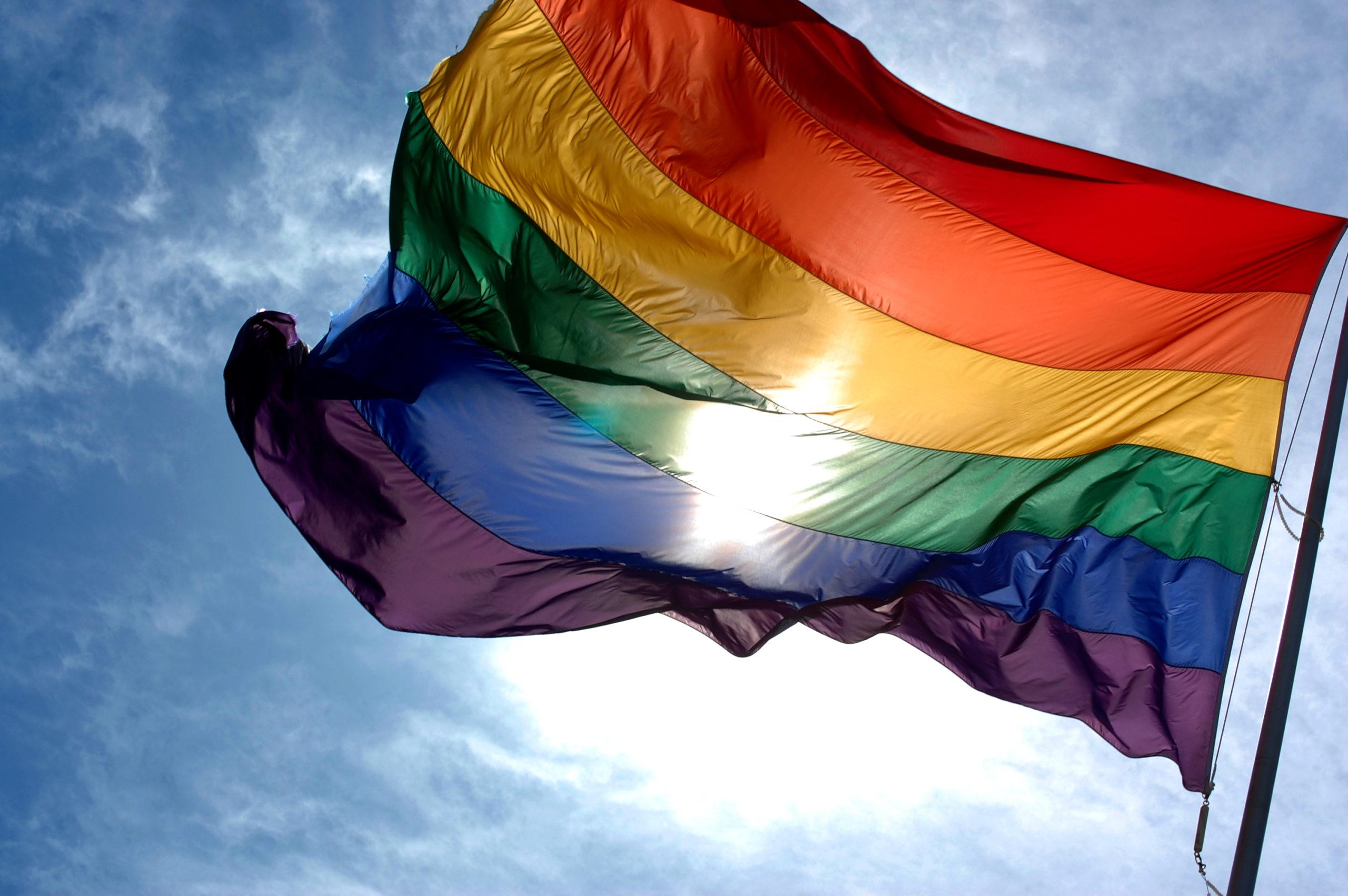Asesinan en Jalisco a activista LGBT y las redes exigen justicia