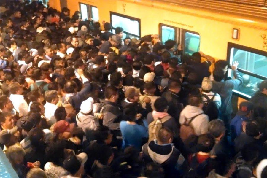 Las redes revientan por videos del Metro Pantitlán sin sana distancia