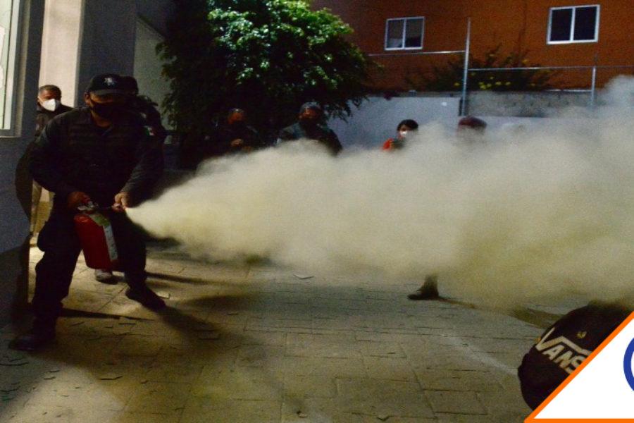 #Edomex: Policías desalojan con violencia a mujeres y niños de la CODHEM