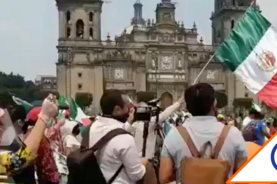 #Protesta: FRENAAA llega al Zócalo… Inician plantón afuera de Palacio Nacional
