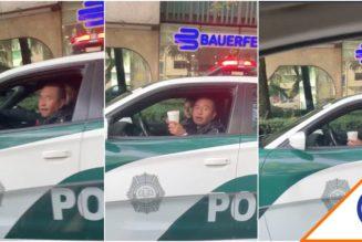 #Viral: Exhiben a policía por estacionarse en plena ciclovía… mientras desayuna