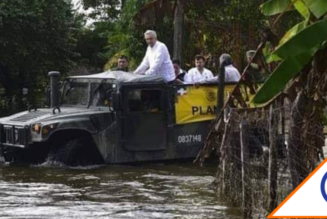 """#OMG: Obrador pasea en Hummer en Tabasco """"No me puedo mojar nada más por la foto"""""""