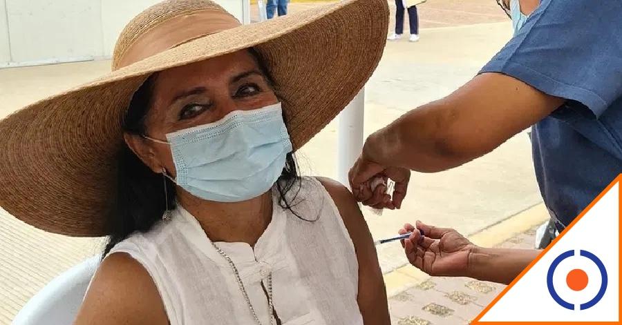#Covid19: Regidora de Morena se salta la fila y recibe la vacuna… De pena