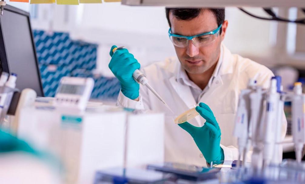Vacuna AstraZeneca llegará a México en febrero y marzo