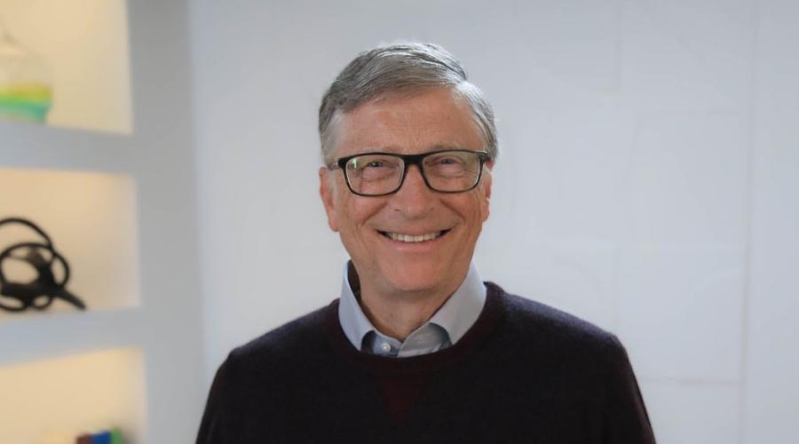 Bill Gates le aconseja a AMLO centrarse más en educación que en el petróleo