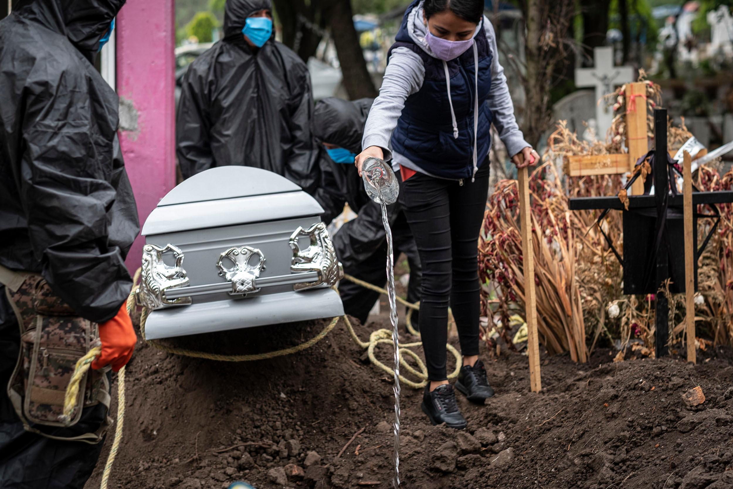 México llega a 166 mil 731 defunciones a causa de la COVID-19