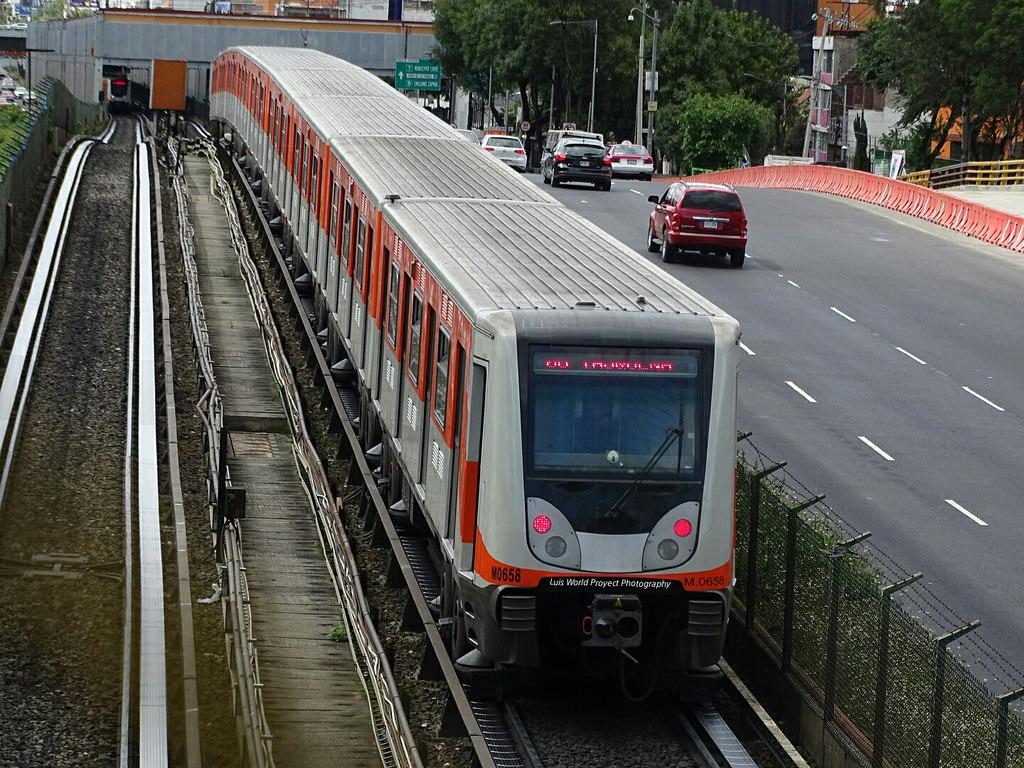 Línea 2 del Metro reanudará servicio mañana lunes