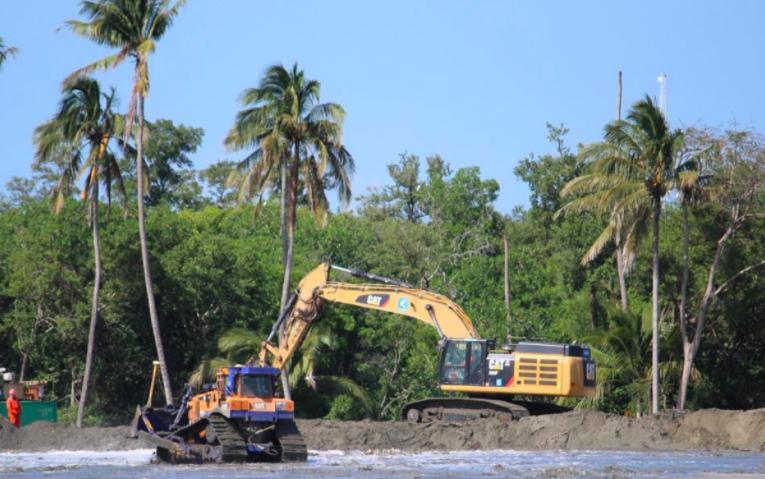Riesgos de inundación, afectación ambiental y daño al erario detecta Auditoría en refinería de Dos Bocas