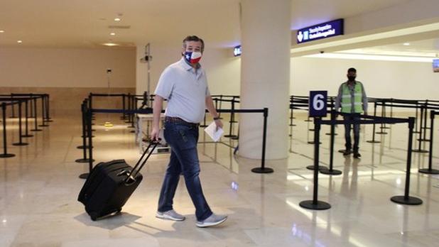 Ted Cruz, senador republicano por Texas regresó de Cancún tras recibir críticas