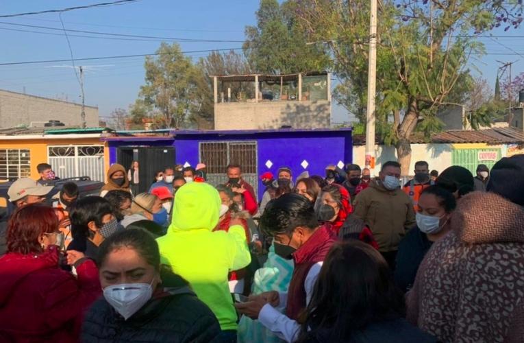 Desinformación, largas filas y cierre inesperado de centros de vacunación: así el caos en Ecatepec