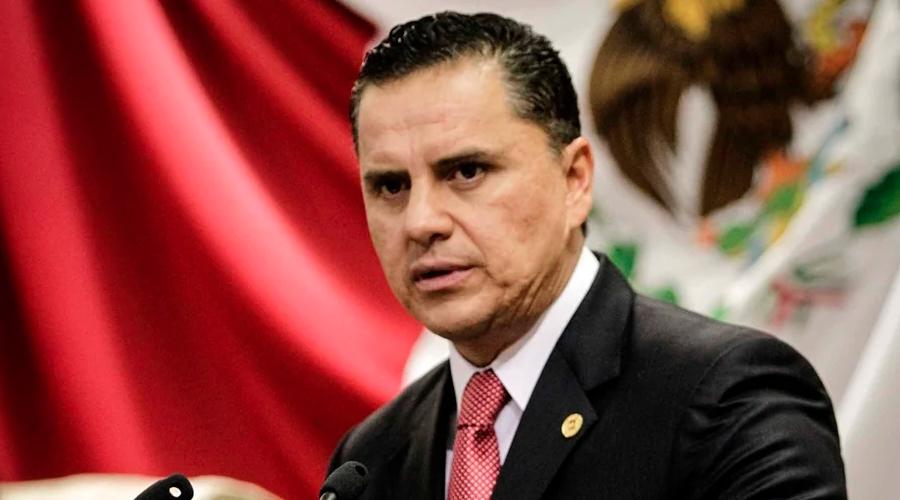 Ordenan aprehensión de Roberto Sandoval y su hija por lavado de dinero y delincuencia organizada