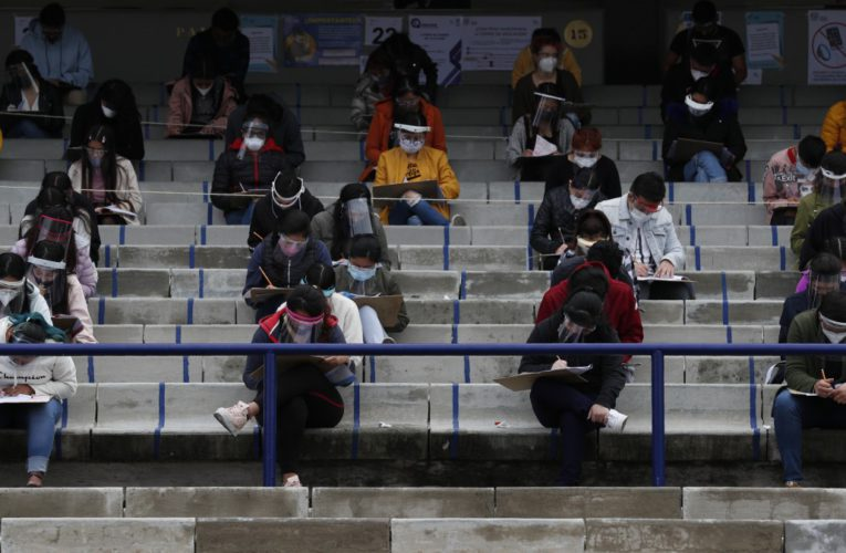 La UNAM, reprograma su examen de ingreso para evitar contagios por COVID-19.